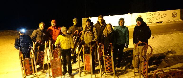 ZPARTNER Kick Off Meeting. Ein Teamfoto nach dem Rodelrennen in Zauchensee.