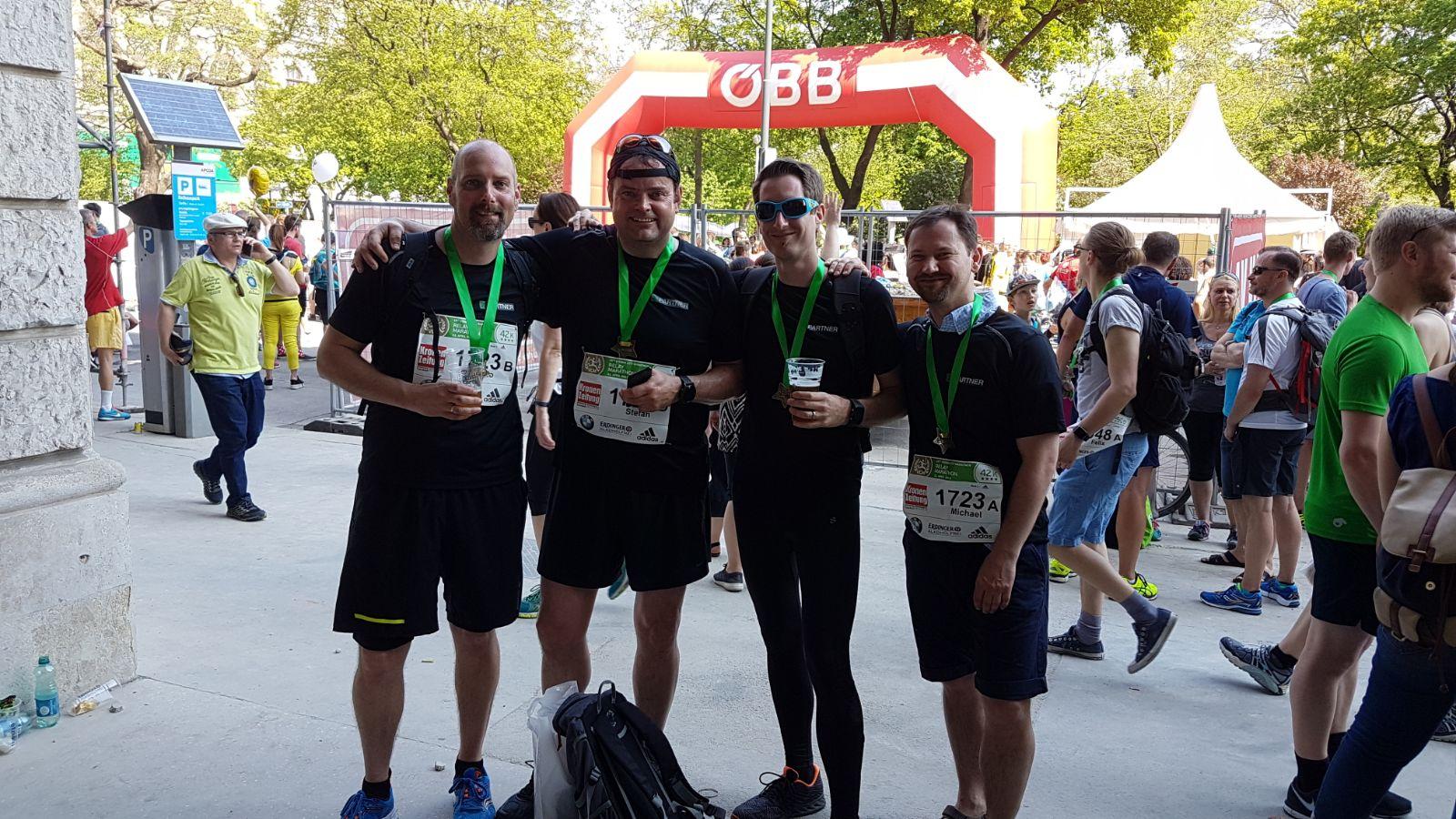 Vier Teamkollegen absolvierten den Vienna City Marathon 2018.